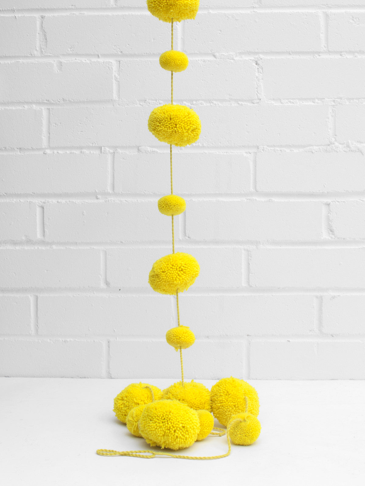 Pom Pom Garland, Acid Yellow