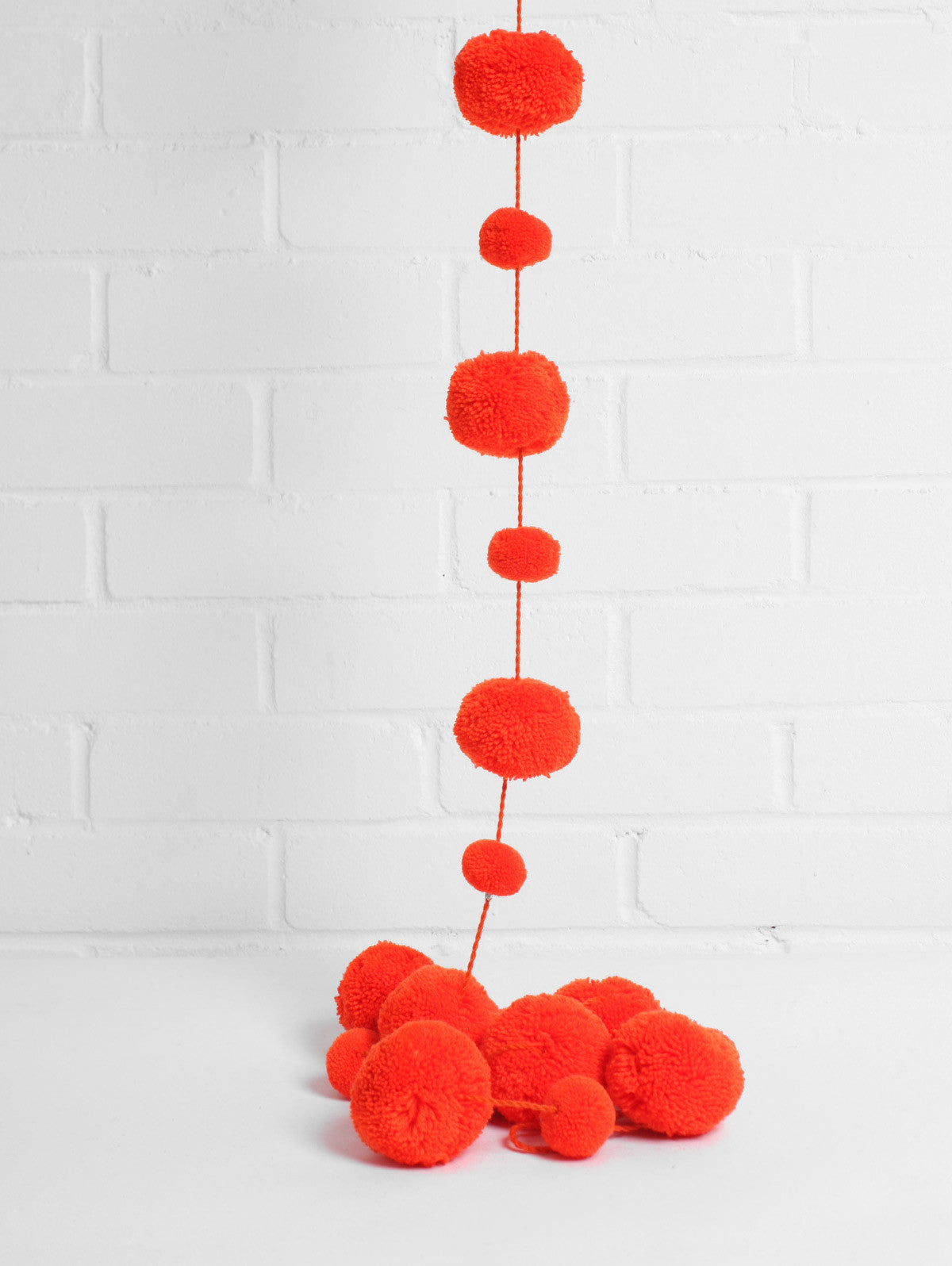 Pom Pom Garland, Orange