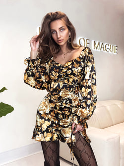 black dress, gold dress, gold foil dress, foil dress, asos dress, gold dress uk, gold dress Zara, floral dress, puff sleeve dress, puff sleeve, dolce gabana dress, ruffle dress, mini dress,