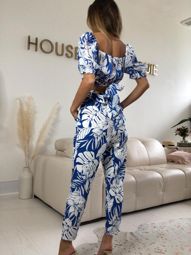 co Ord set, co old sets asos, co order sets Zara, co order top and trousers, blue and white top, blue and white trousers, white top, white trousers, co words womens, co orders suit, wrap top, cigarette trousers Zara, paperboy trousers,