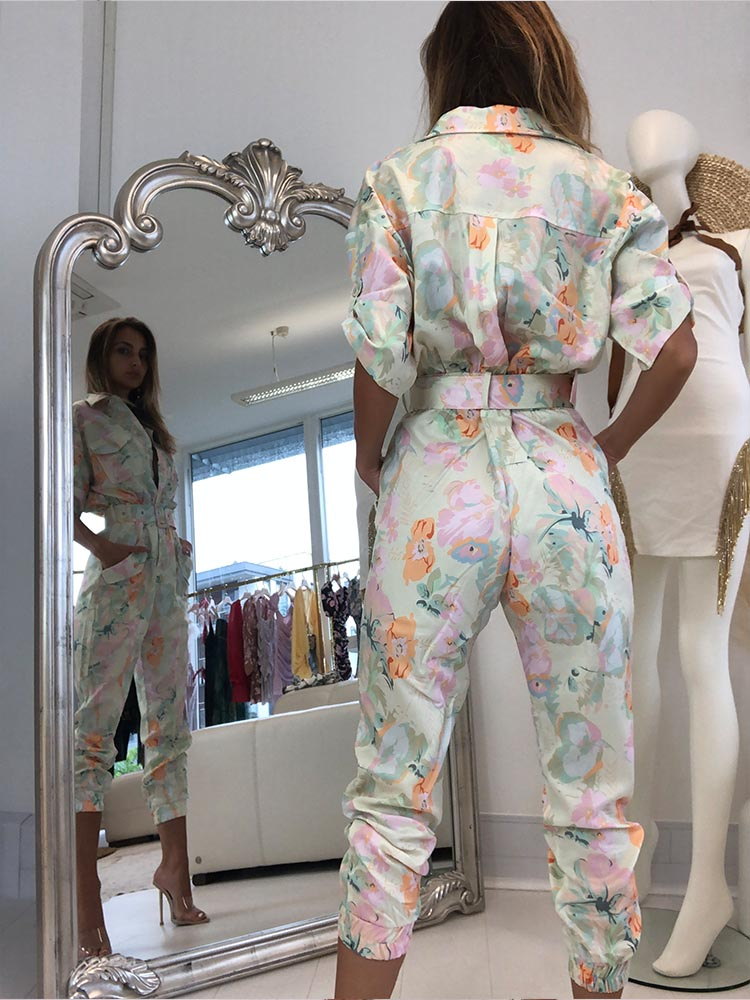 Women's Utility Jumpsuit, floral jumpsuits, trendy jumpsuits, best jumpsuit style 2020, celebrity style jumpsuit, street style jumpsuit, Zara Jumpsuits, House of CB jumpsuits, for  love and lemons jumpsuit, revolve jumpsuits, summer style jumpsuits, chic jumpsuits for going out, sleek jumpsuits