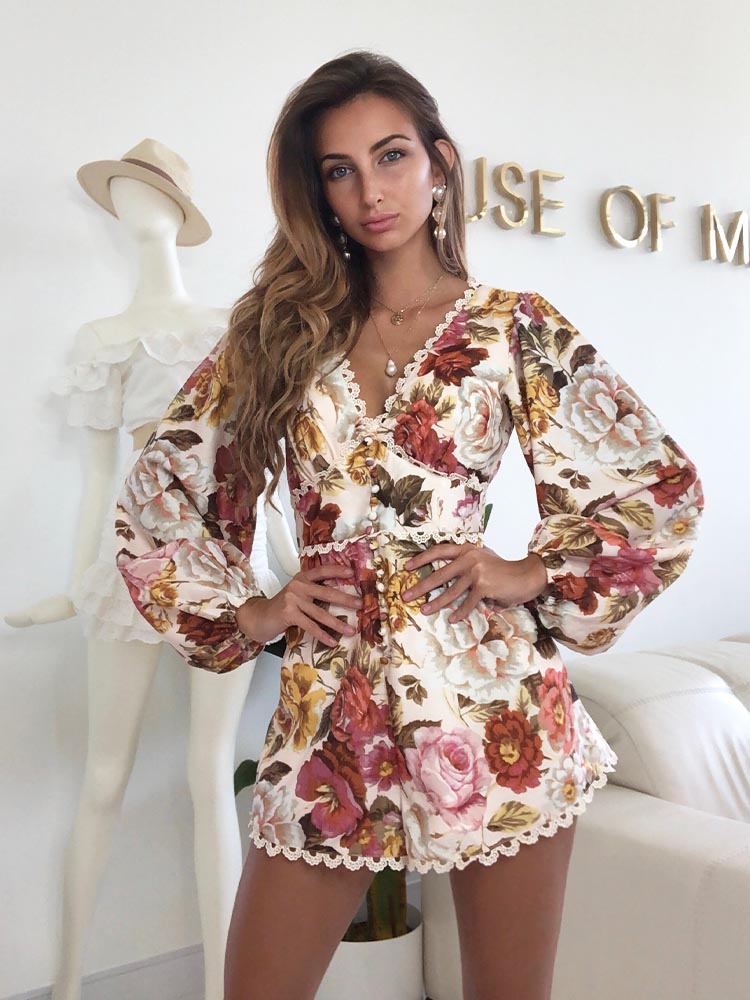 vintage floral playsuits, 70s playsuit, Self Portrait, For Love and Lemons, Faithul to the Brand, Zara Summer Playsuits, Zara Summer Styles 2020, retro playsuit, Summer Playsuits UK, Summer Holidays Playsuits, Floral Playsuits