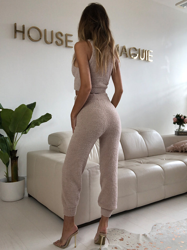 skims loungewear, lounge sets, kintwear, comfy knitwear, sophisticated loungewear, designer loungewear, zara loungewear, calvin klein loungewear,  cosy loungewear ,   Premium Fluffy Lounge , Kylie Jenner Loungewear, Kim Kardashian loungewear, missguided loungewear,  Cozy Fleece Pajama Set, airport loungewear, best airport loungewear, airport outfits asos, airport style,  airport style, luxe loungewear,  loungewear sets and loungewear outfits,