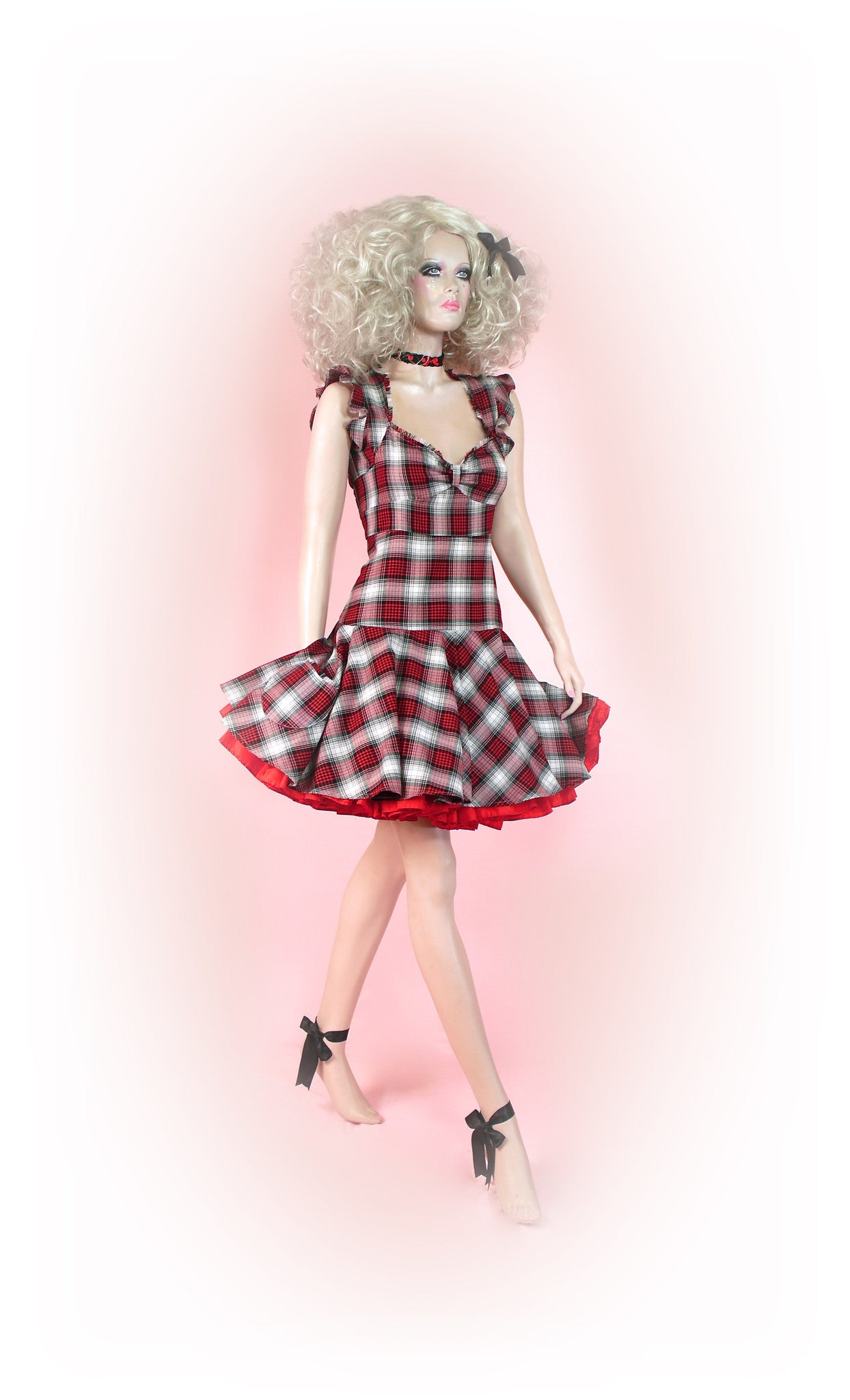 Red Black White<br>Tarty Tartan