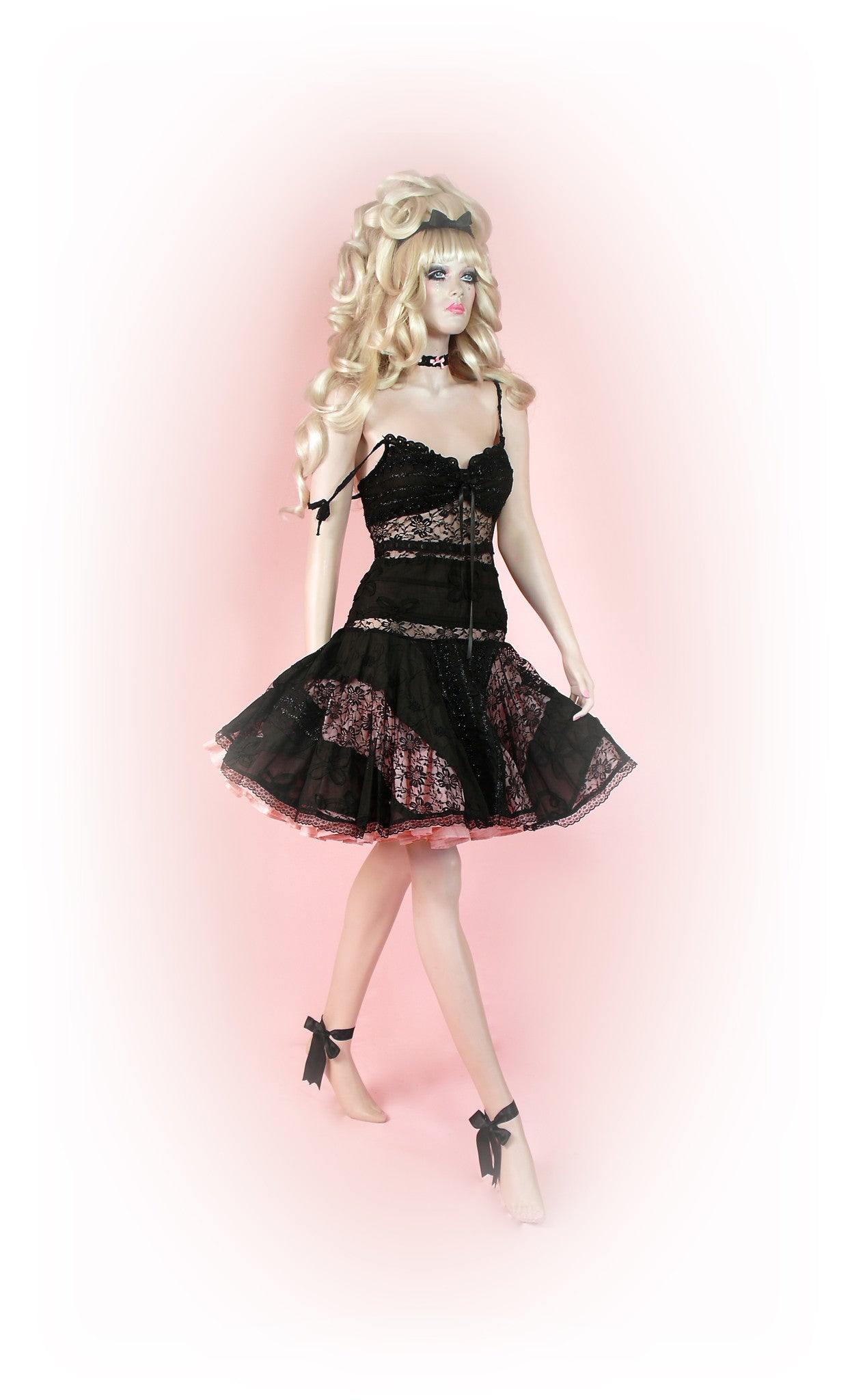 Black<br>Enchanting Lace