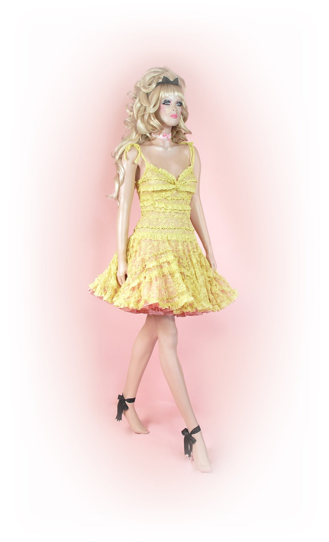 Yellow<br>Frilly Lace