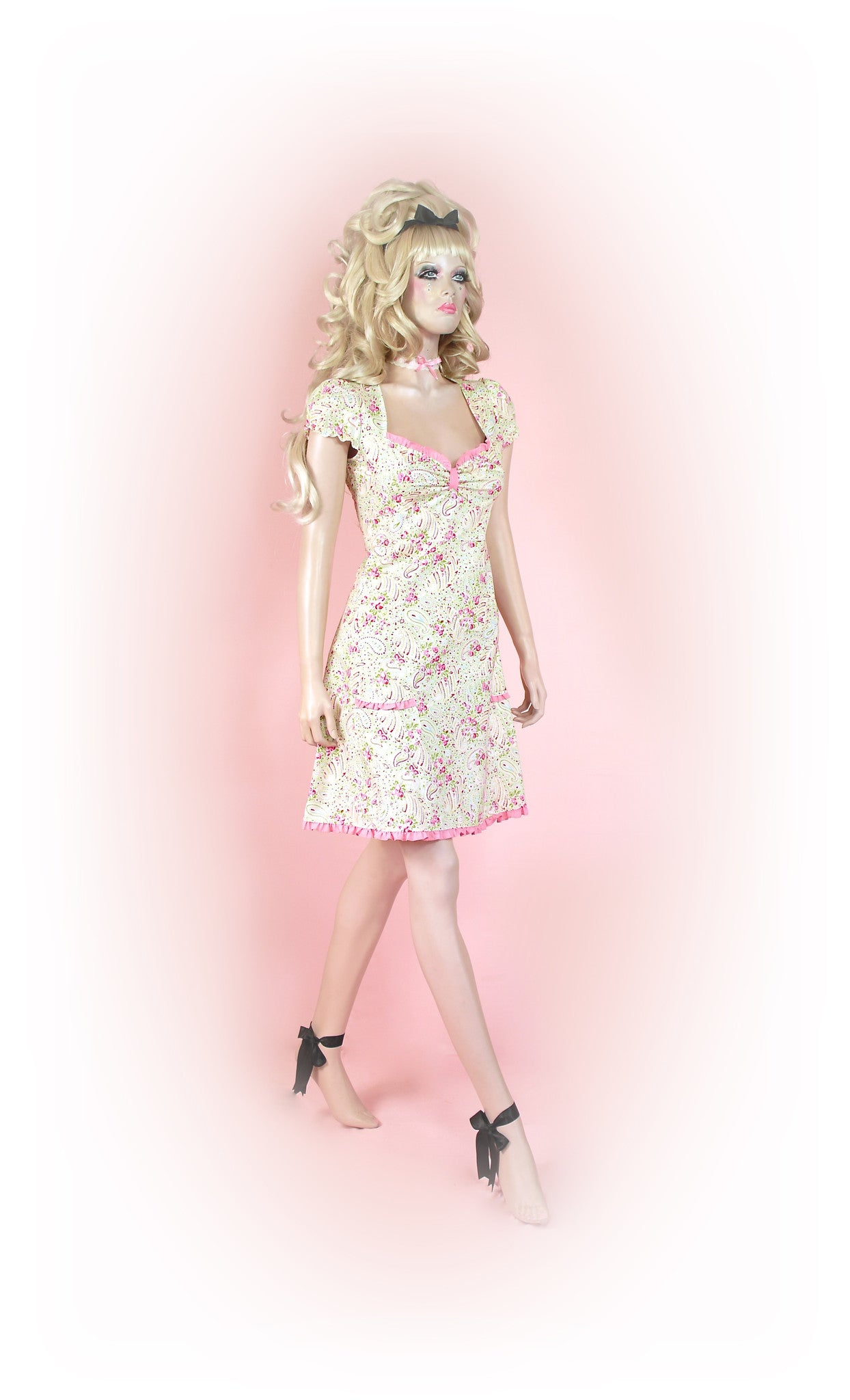 Pink<br>Paisley Floral