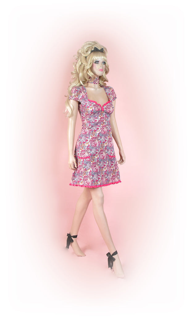 Pink<br>Dainty Floral