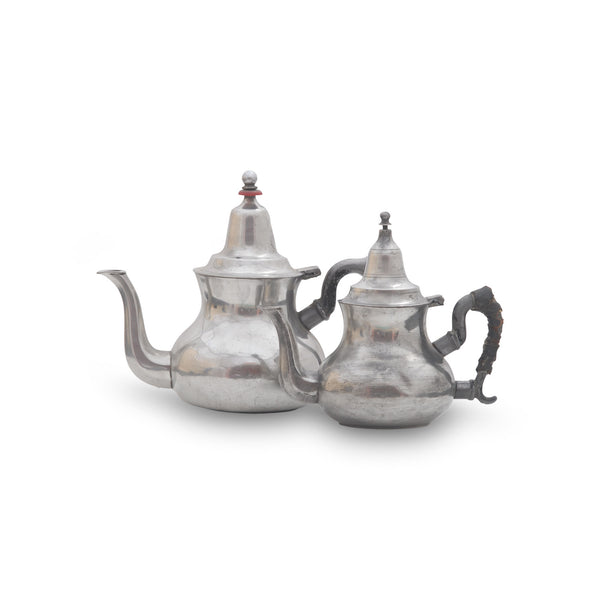 Antique Teapot Nomad M