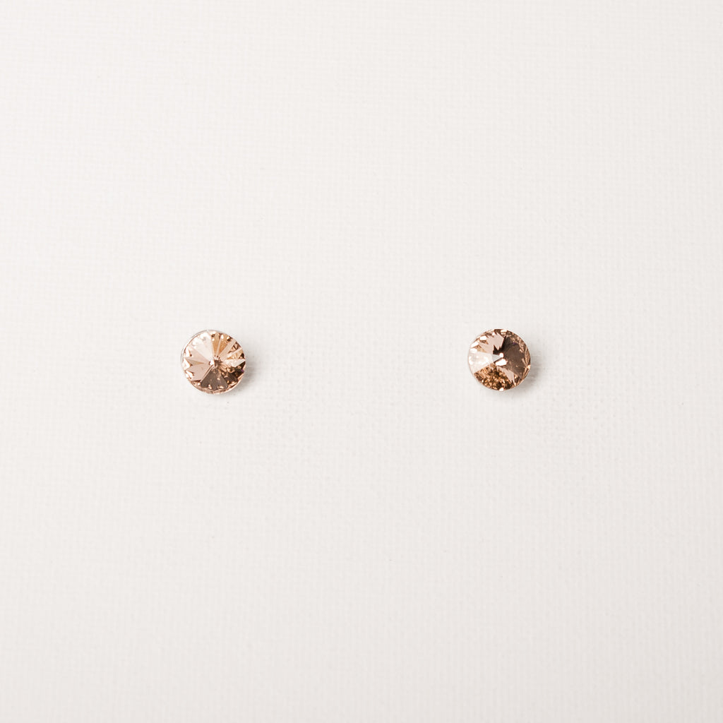 Medium Studs Light Peach