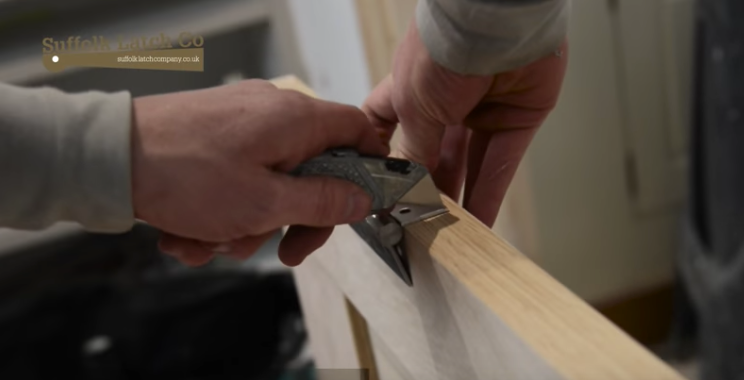 Video Guide: How to Hang a Door The Correct Way
