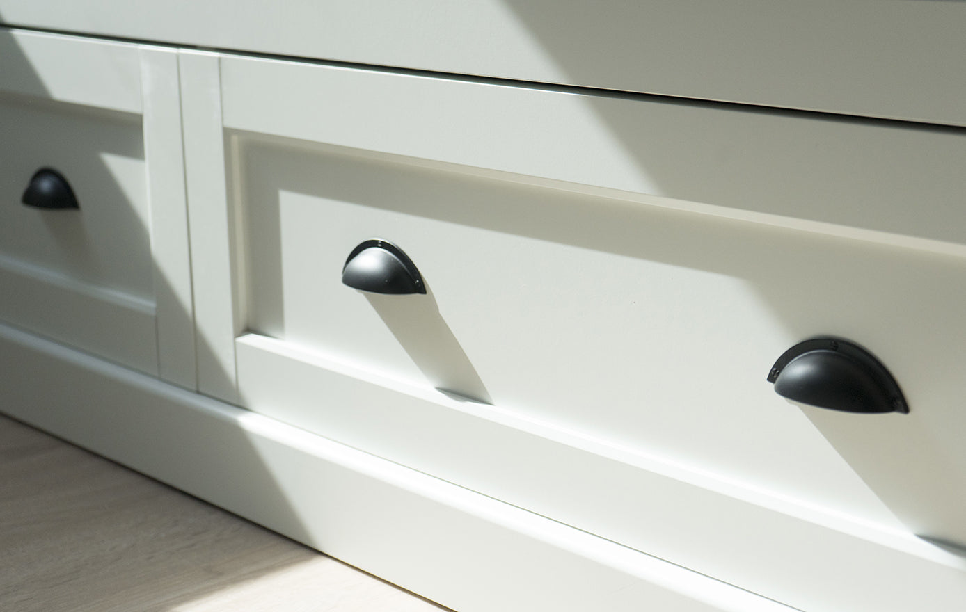 Suffolk Latch Company Cabinet Hardware