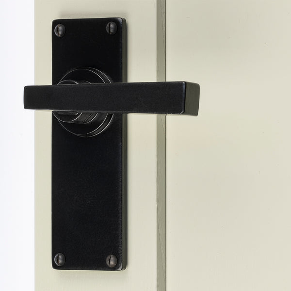 Arundel Lever Door Handle