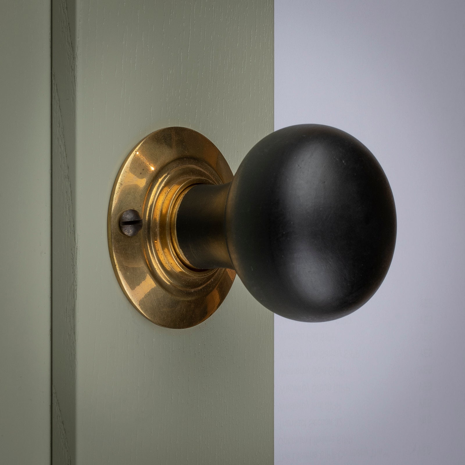 Door with ebonised bun door knob SHOW