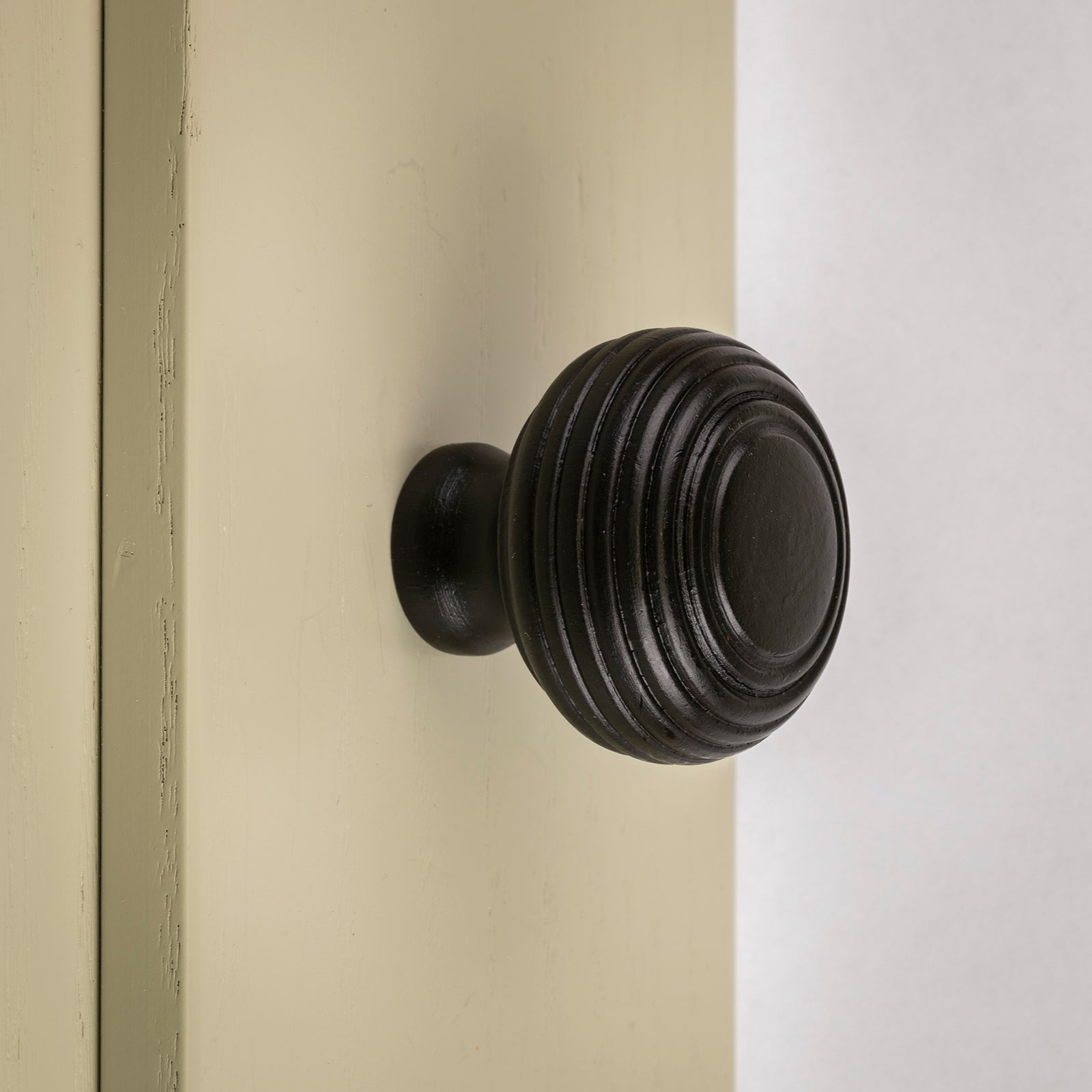 beehive cupboard door knobs SHOW
