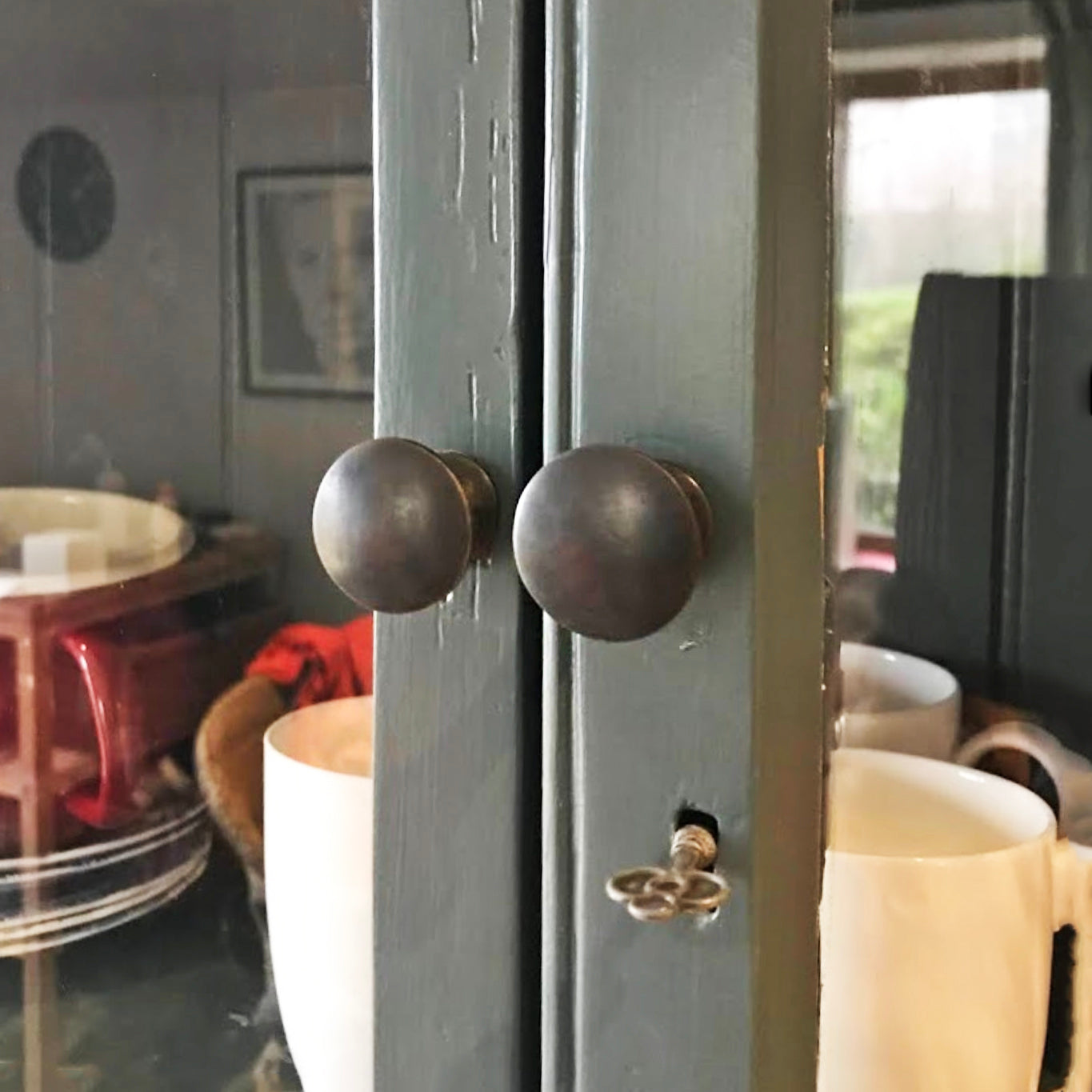 Bronze Classic Cabinet Knobs SHOW