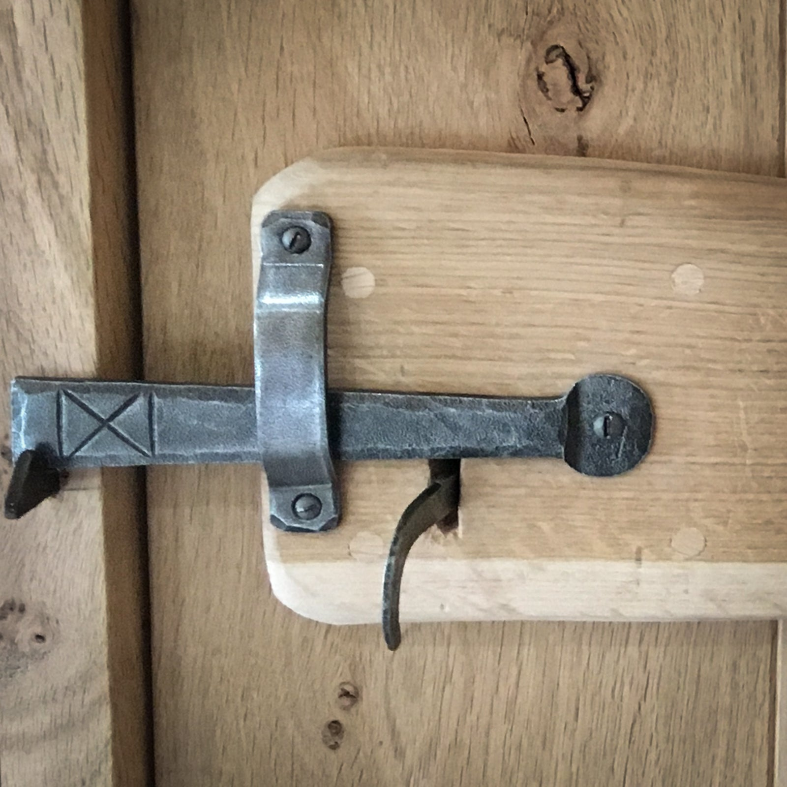 Suffolk Latch Fine Handle Hand Forged Pewter Finish