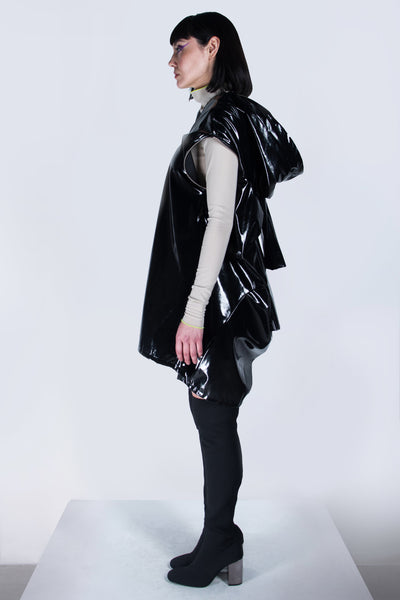 Shop emerging futuristic genderless designer Fuenf Metaphysics AW20 Collection Black Transform Raincoat at Erebus