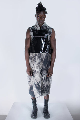 Shop emerging futuristic genderless designer Fuenf Metaphysics AW20 Collection Black 5 Way Transform Shiny Bag Vest at Erebus