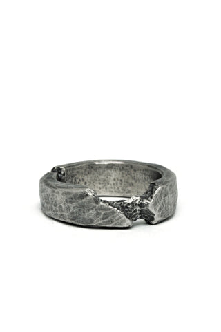 Shop Emerging Slow Fashion Avant-garde Jewellery Brand Gothmos Oxidised Sterling Silver Destroyed Hand-Hammered Ring at Erebus