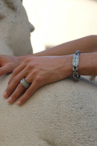 Shop Emerging Slow Fashion Avant-garde Jewellery Brand Møsaïs Silver AZK-2 Chain Bracelet at Erebus