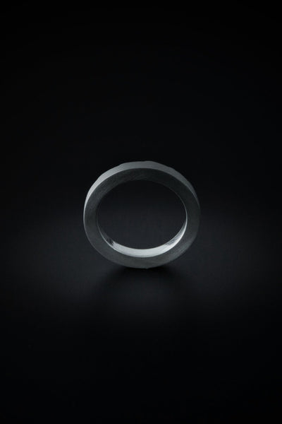 Shop emerging slow fashion unisex jewellery brand Møsaïs Silver Broken Ring S - Erebus