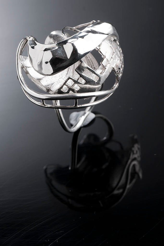 Shop Emerging Slow Fashion Avant-garde Brands Yaron Shmerkin X Vague Collaboration Silver New York Ring at Erebus