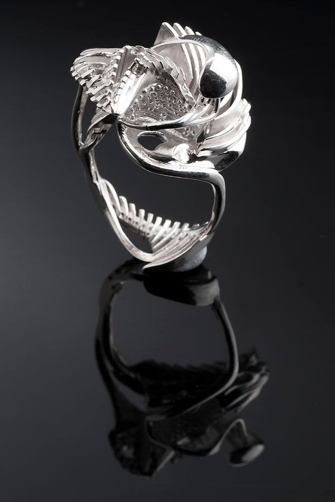 Shop Emerging Slow Fashion Avant-garde Brands Yaron Shmerkin X Vague Collaboration Silver Swan Ring at Erebus