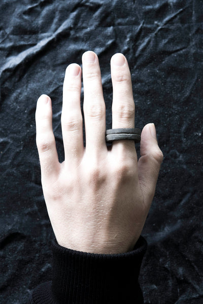 Shop Emerging Avant-garde Jewellery Brand Surface/Cast Black Concrete Channel Small Ring at Erebus