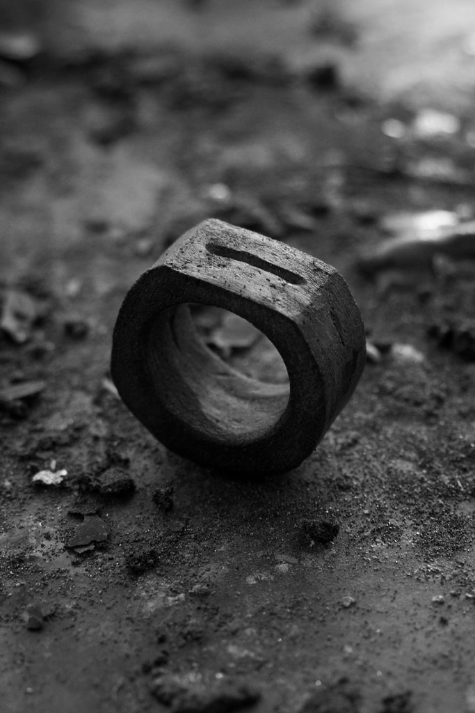 Shop Emerging Avant-garde Jewellery Brand Surface/Cast Black Concrete Crevasse Medium Ring at Erebus