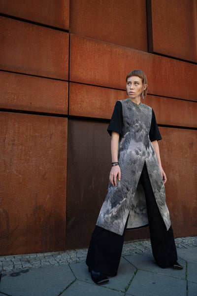 Shop Emerging Slow Fashion Futuristic Unisex Brand Fuenf Iterations Fractal Long Vest at Erebus
