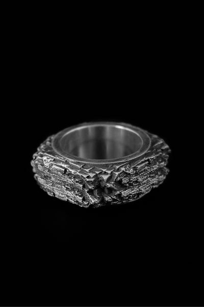 Shop Emerging Slow Fashion Avant-garde Jewellery Brand Møsaïs Silver ER-11 Ring at Erebus