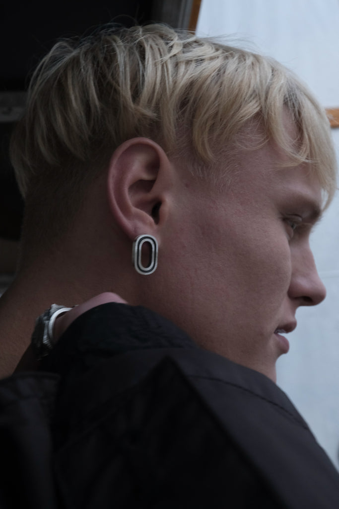 Shop Emerging Slow Fashion Avant-garde Jewellery Brand Møsaïs Silver EFT-1 Link Earrings at Erebus