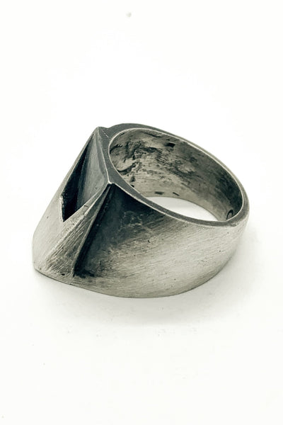 Shop Emerging Slow Fashion Avant-garde Jewellery Brand OSS Haus MSKRA Collection Silver Lightning Ring at Erebus