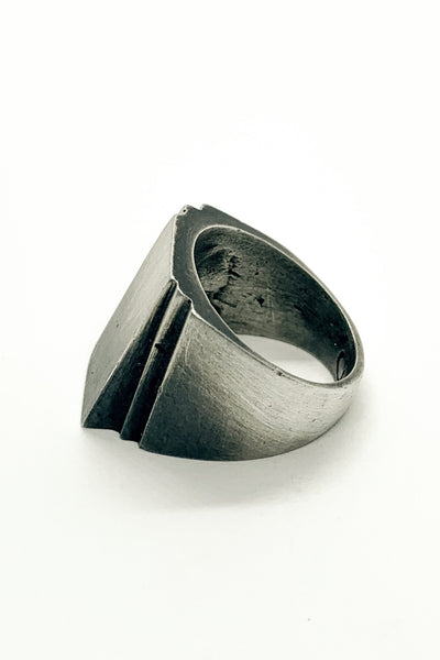 Shop Emerging Slow Fashion Avant-garde Jewellery Brand OSS Haus MSKRA Collection Silver Alexis Ring at Erebus