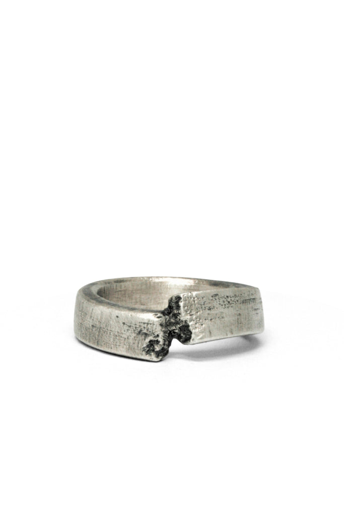 Shop Emerging Slow Fashion Avant-garde Jewellery Brand Gothmos Silver Staggered Relationship Ring at Erebus