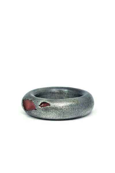 Shop Emerging Slow Fashion Avant-garde Jewellery Brand Gothmos Silver Thick Band Scarred Chilbo Ring at Erebus