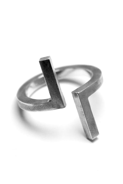 Shop Emerging Avant-garde Slow Fashion Unisex Brand Draug Jewellery Silver Laszlo Ring at Erebus