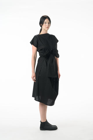 Shop Emerging Dark Conscious Gender-free Designer Lauri Jarvinen Zero Waste Black Cotton Multiway Dress at Erebus