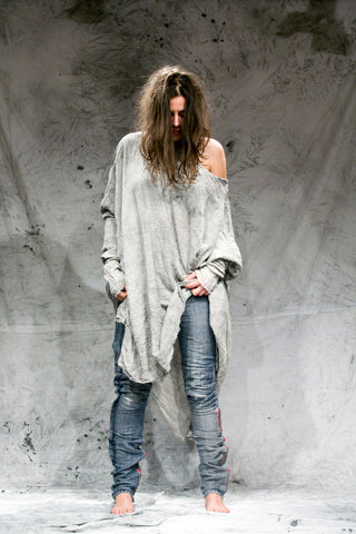 Shop Emerging Slow Fashion Conscious Conceptual Brand Things I Miss Organic Cotton Gauze Hand-dyed Grey Veliki Kvadrat Top at Erebus