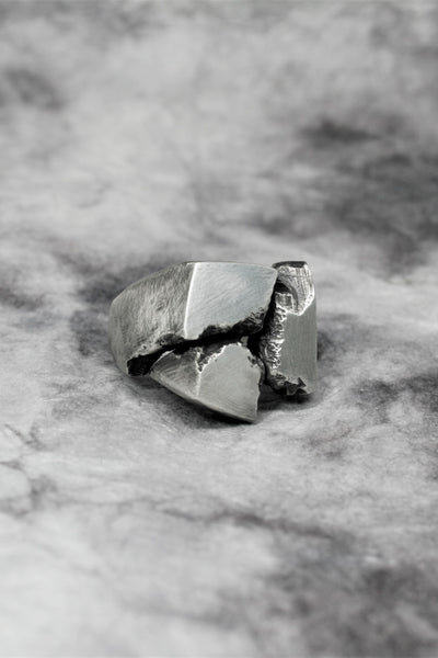 Shop Emerging Slow Fashion Avant-garde Jewellery Brand Gothmos Silver Separation Anxiety Ring at Erebus