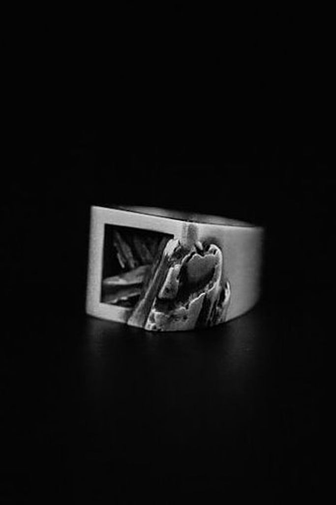 Shop Emerging Slow Fashion Avant-garde Jewellery Brand Mosais Silver Rubra Ring at Erebus
