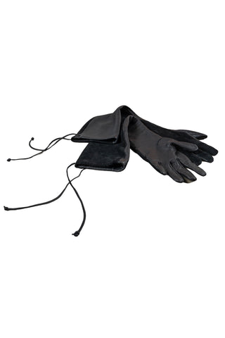 Shop Emerging Slow Fashion Genderless Avant-garde Designer Mark Baigent Spittelberg Collection Black Reclaimed Sheep Leather Novena Gloves at Erebus