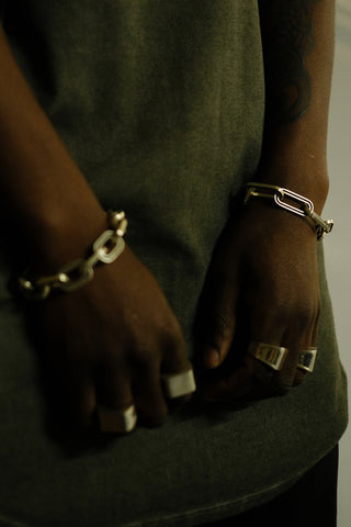 Shop Emerging Slow Fashion Avant-garde Jewellery Brand Møsaïs Silver RT-58 Chain Link Bracelet at Erebus