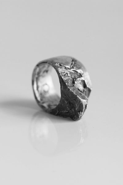 Shop Emerging Avant-garde Jewellery Brand OSS Stone S Ring at Erebus