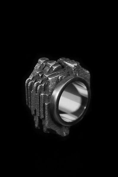 Shop Emerging Slow Fashion Avant-garde Jewellery Brand Møsaïs Silver SYRA 3A Ring at Erebus