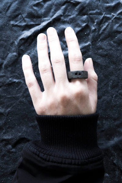 Shop Emerging Avant Garde Jewellery Brand Surface/Cast Black Concrete Subtraction Two Hole Small Ring at Erebus