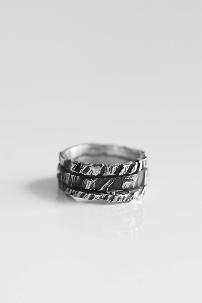 Shop Emerging Avant-garde Jewellery Brand OSS Triple Crack Ring at Erebus