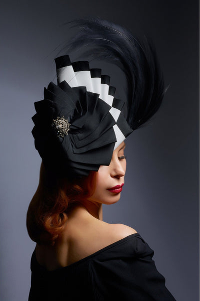 Shop emerging slow fashion milliner Valeria Agostini Piuma Pleated headpiece - Erebus