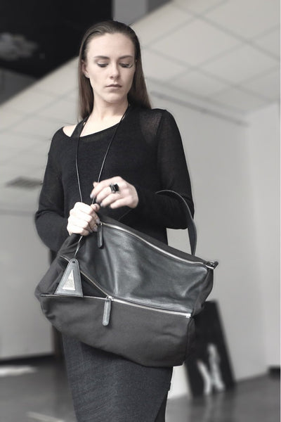 Shop emerging slow fashion handbag designer Anoir by Amal Kiran Jana black leather and suede Transformable Shoulder Bag - Erebus - 10